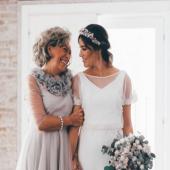 ¡¡Feliz día de la madre!! Gracias a todas las mamis que tanto nos cuidan, que nos quieren, que nos defienden, que nos entienden y que nos quieren por encima de todo ✨ . Aprovecha este día para mimar a tu mami, para decirle que la quieres y para llenarla de besos 💕💕💕💕 . #comotinta #diadelamadre #diadelamadre2021 #tequieromama #boda #novia