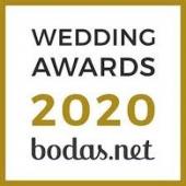 Nos llena de orgullo anunciar que tenemos el sello ✨Weddings Awards 2020✨ otorgado por todos vosotros, los usuarios de @Bodasnet. Gracias a todos por los comentarios y las valoraciones positivas que nos dejais día a día en la página👏!! Link in BIO. . #comotinta #boda #novios #bodasoriginales #bodas2021 #bridetobe2021 #bodasbonitas #bodas