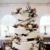 ¡La TARTAAA!!! De chocolate🍫, de limón🍋, con frutas confitadas🍡... A nosotras se nos hace la boca agua sólo con pensarlo. Y otra cosa que nos encanta es el ✨25% de DESCUENTO✨ que tenemos en todos los productos de papelería. ¡Aprovecha! Link in BIO.#comotinta #boda #siquiero #decoracionbodas #novios #wedding #bodas2021 #bodasnet #bodasoriginales #tarta #tartadeboda